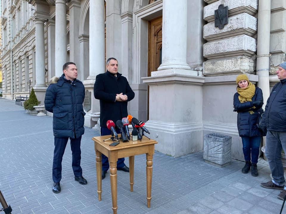 Медичні установи Львівщини уже сьогодні, 24 березня, отримають тести та засоби захисту