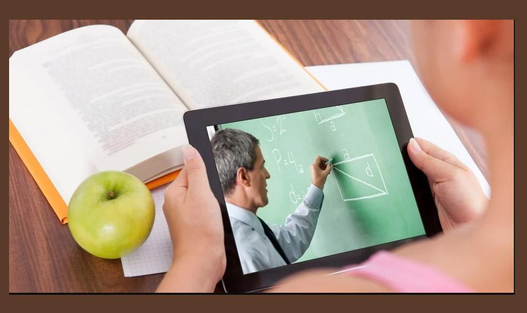 Всеукраїнська школа онлайн: 1-4 класи йдуть на канікули, а для учнів базової та старшої школи уроки транслюватимуть ще 2 тижні