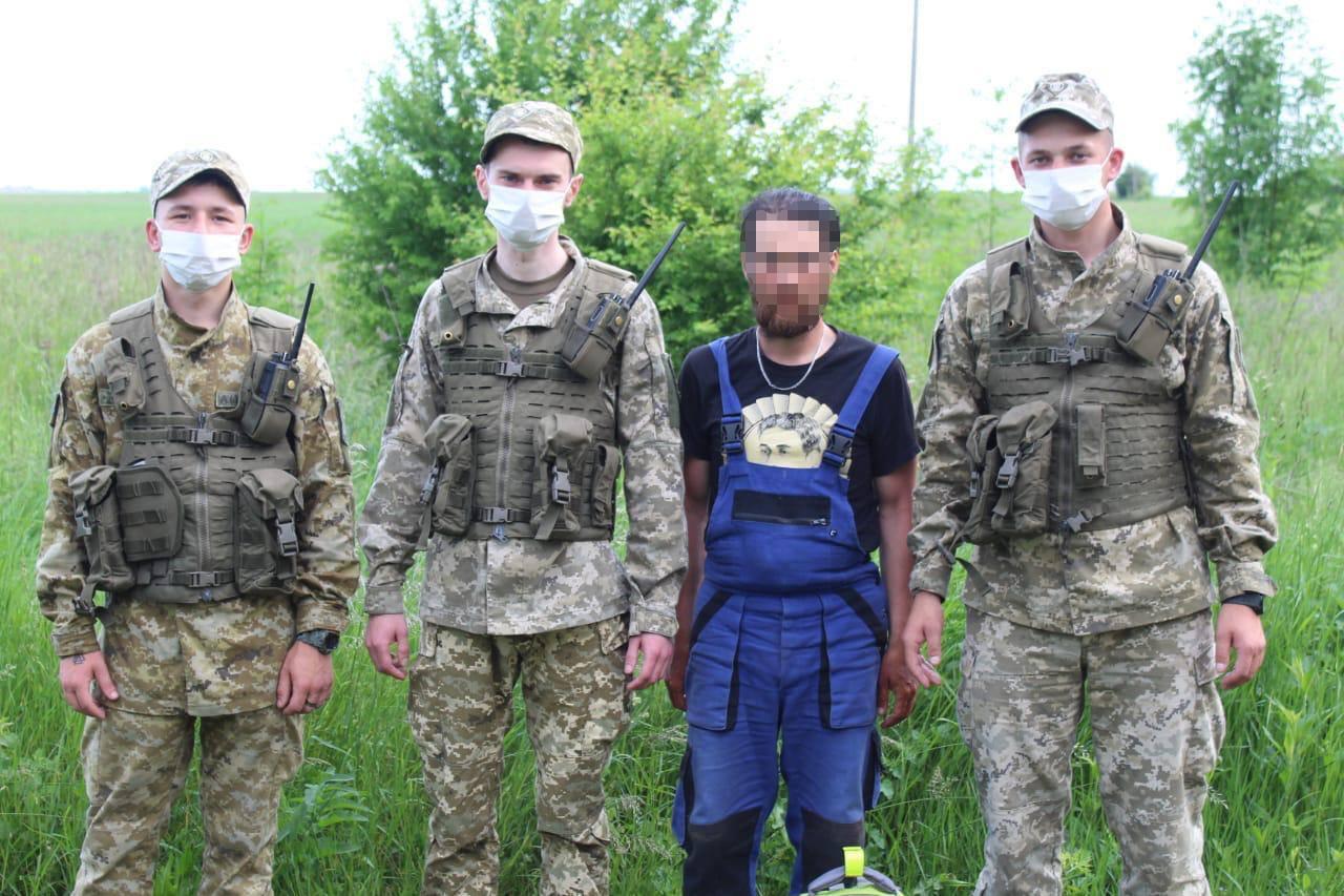 На велосипеді з Чехії до Казахстану: на Сокальщині затримали іноземця, який незаконно перетнув кордон