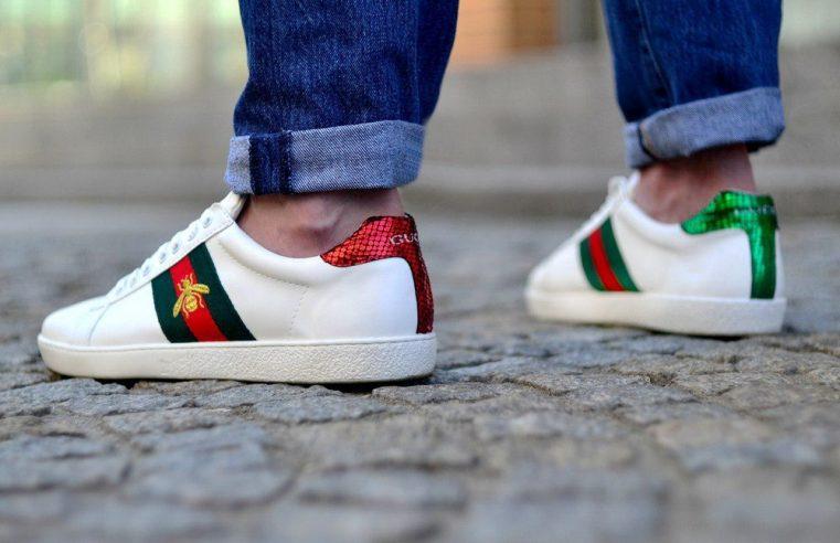 Взув і вийшов – червоноградець перевзувся у нові кросівки, які взяв на прилавку, і вийшов з магазину