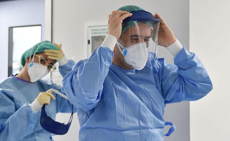 На Львівщині одужали вже майже півтори сотні медиків з COVID-19: хто отримує доплати та страхувальні виплати