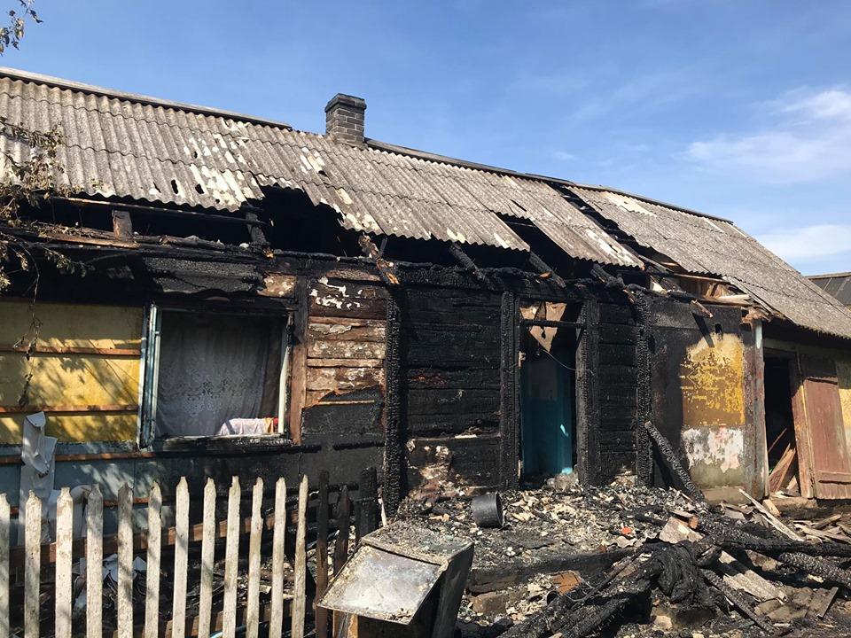 """""""Гарячі"""" вихідні на Сокальщині: у Межиріччі та Угневі згоріли господарські будівлі, а у Тудорковичах – дерев'яна хата"""