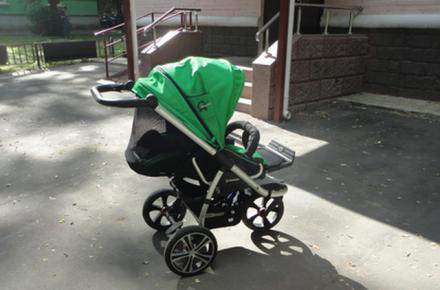 Червоноградські поліцейські зловили 22-річного крадія дитячої коляски