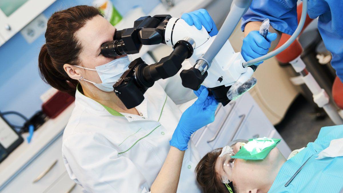 Як лікувати зуби в умовах каратину? – Чи нададуть вам допомогу, якщо у вас коронавірус?