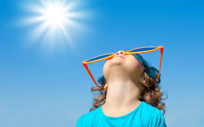 Сонячна небезпека: як розпізнати і допомогти при сонячному чи тепловому ударі