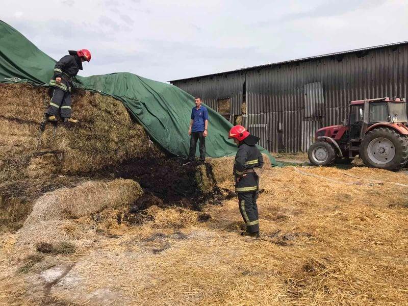 У селі Волиця згоріла тонна сіна