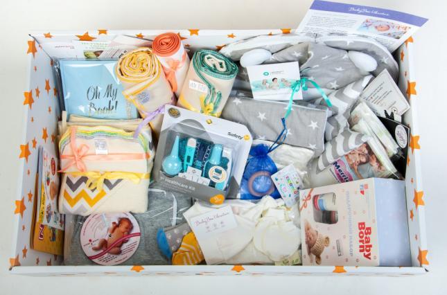 """Уряд вирішив замість """"пакунків малюка"""" видавати по 5000 гривень"""