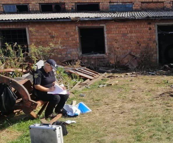 На Жовківщині вибухнув снаряд, який чоловік намагався розрізати  болгаркою