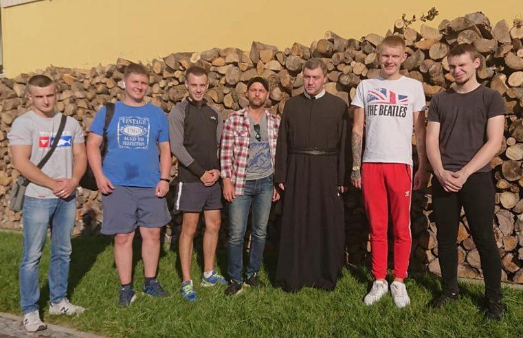 """""""Національний Корпус"""" Червонограда допоміг із заготівлею дров на зиму для потреб монастиря"""