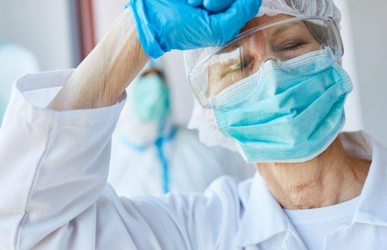 Медичних працівників запрошують на роботу за контрактом у місцях погіршення епідемічної ситуації