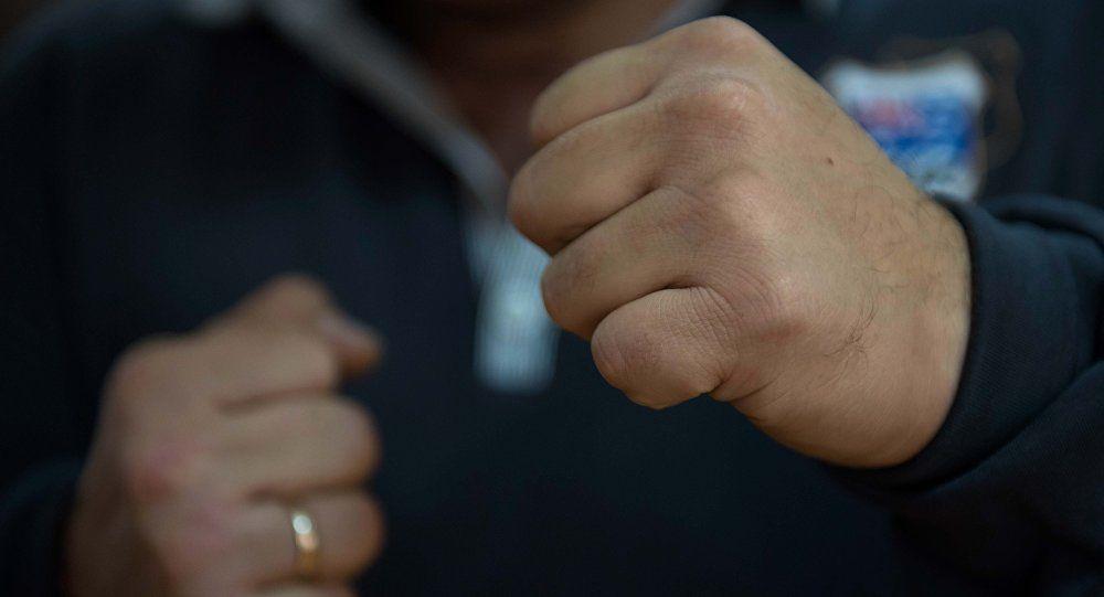 Червоноградський поліцейський в позаробочий час побив соснівчанина