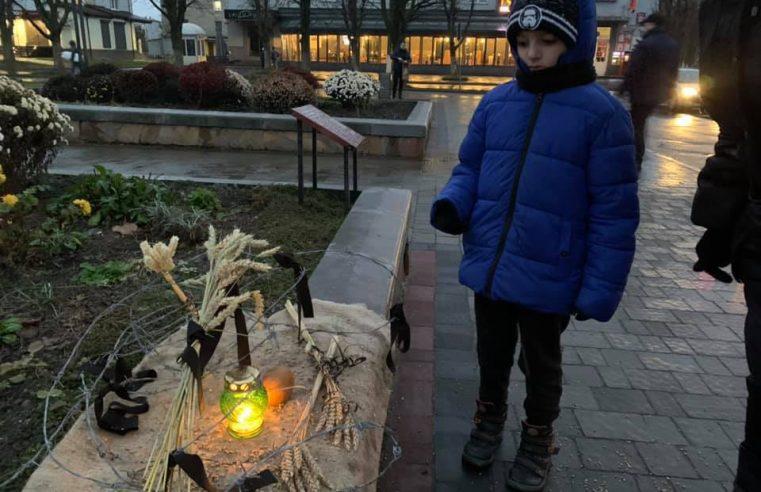 В Червоноградському районі вшанували пам'ять жертв голодоморів