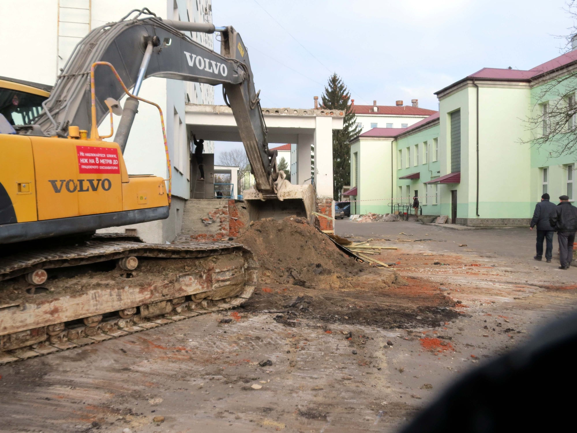 У Червоноградській лікарні масштабна реконструкція