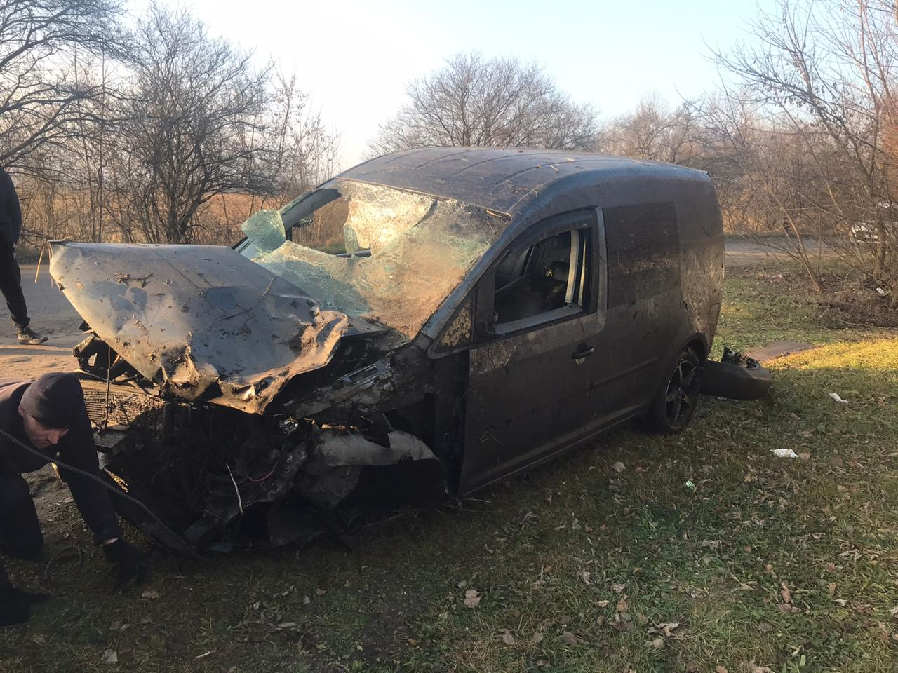 На Жовківщині поліцейські витягнули двох місцевих мешканців з автомобіля, який тонув