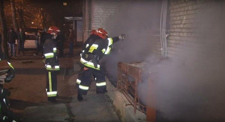У м. Червоноград вогнеборці ліквідували пожежу в підвалі багатоповерхівки