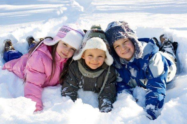 """""""Поки є сніг!"""" – кілька цікавих ідей чим зайняти дитину і себе в зимовий карантин"""