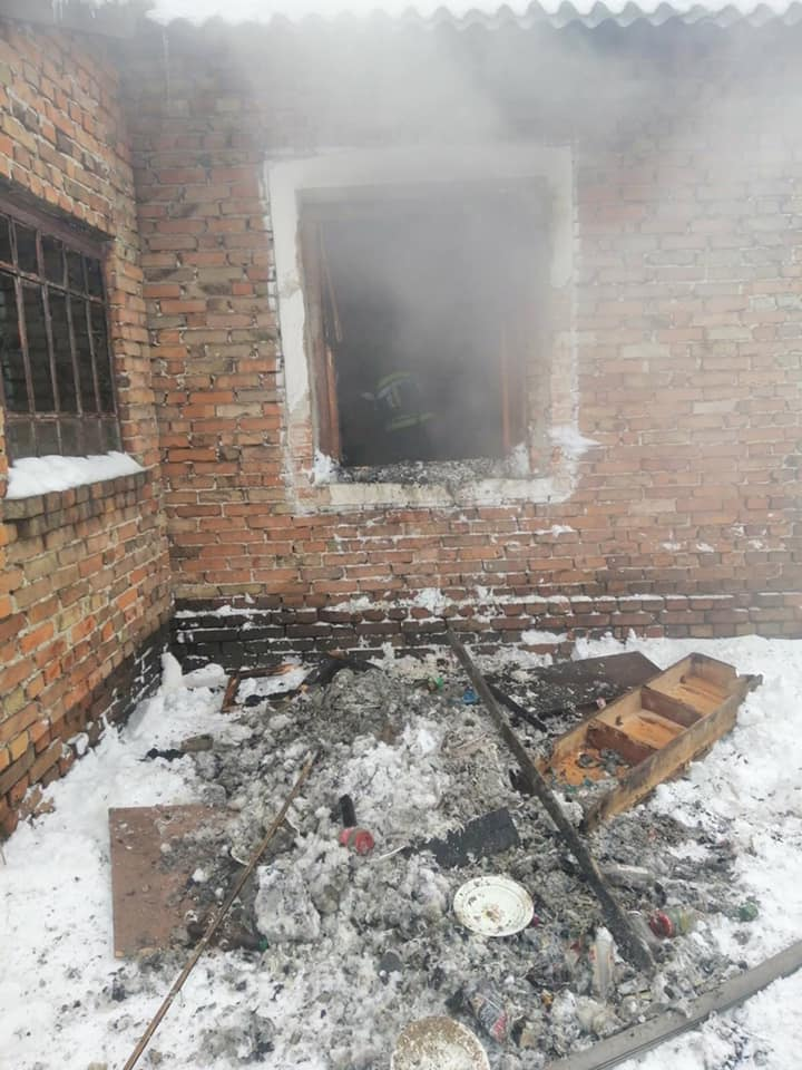 У селі Жужеляни Белзької ОТГ під час пожежі ледь не загинув чоловік