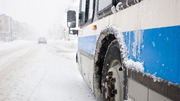 Червоноградський район:  до сіл не поїхали автобуси через хуртовину