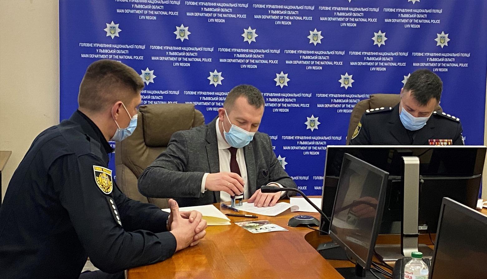Поліцейські офіцери громади обслуговуватимуть 14 населених пунктів, що увійшли до складу Червоноградської територіальної громади – Меморандум підписано