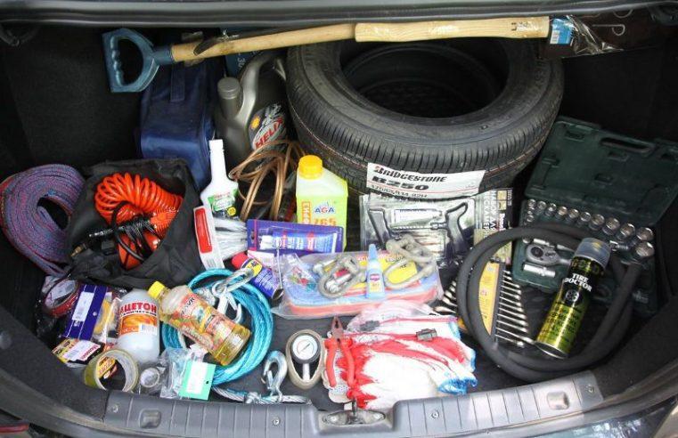 Список речей, які обов'язково мають бути у вашому автомобілі