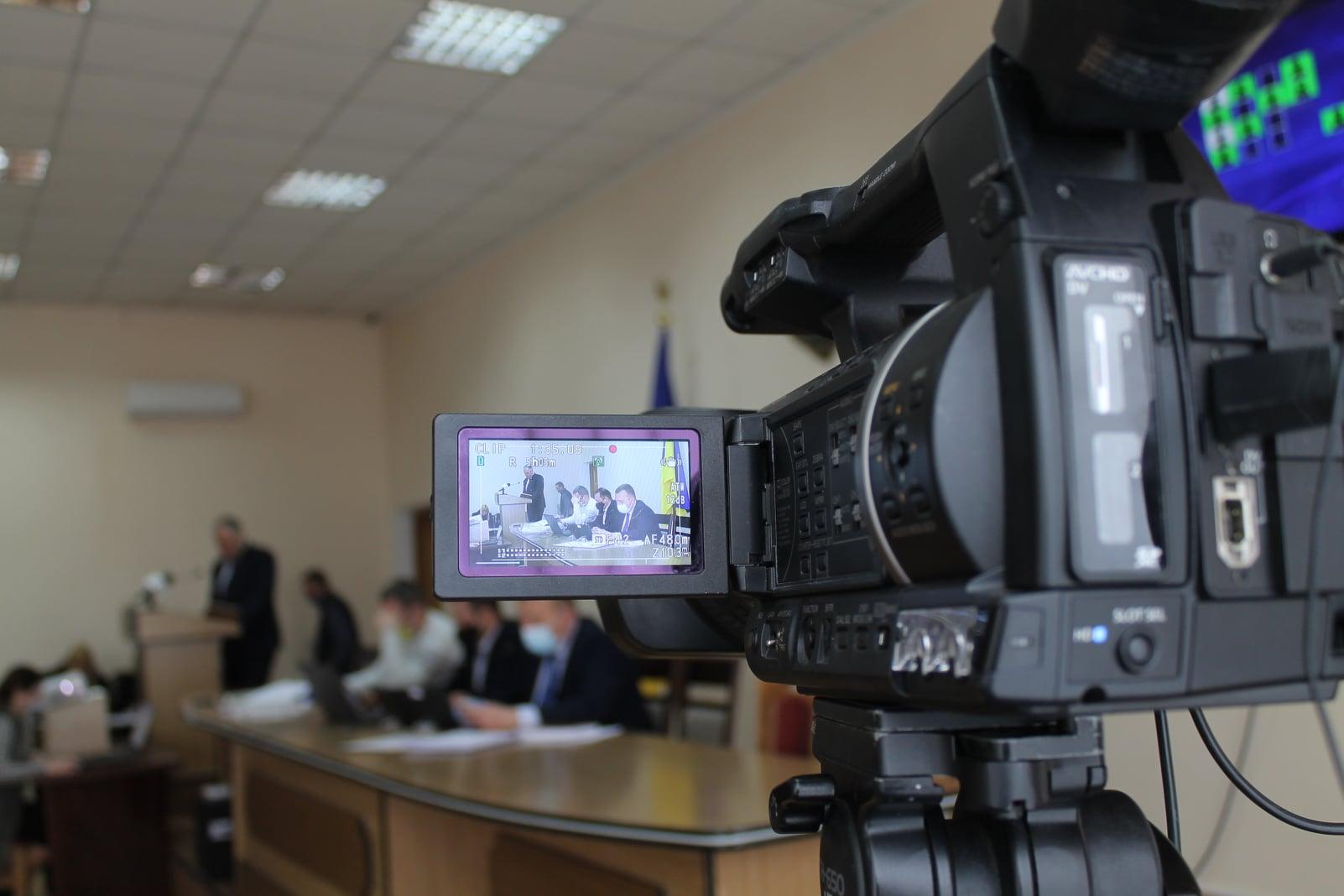 Реконструкція підвісного мосту, міських вулиць, будівництво дитсадка у Сільці – які зміни до бюджету внесли депутати Червоноградської ОТГ на позачерговій сесії