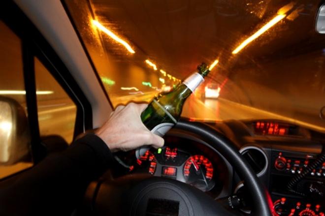 Їхав за пивом і не доїхав. П'яний 25-річний червоноградець зробив аварію у Львові
