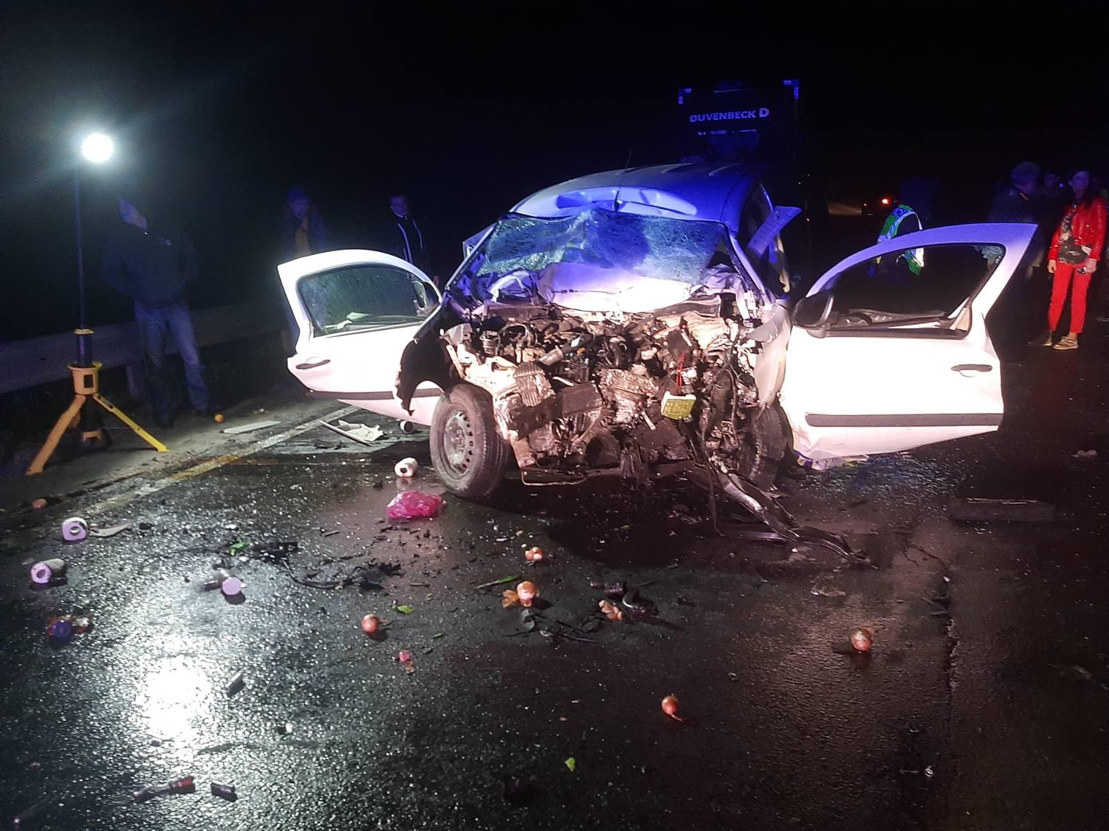 Унаслідок лобового зіткнення з фурою на трасі Київ-Чоп загинуло двоє червоноградців