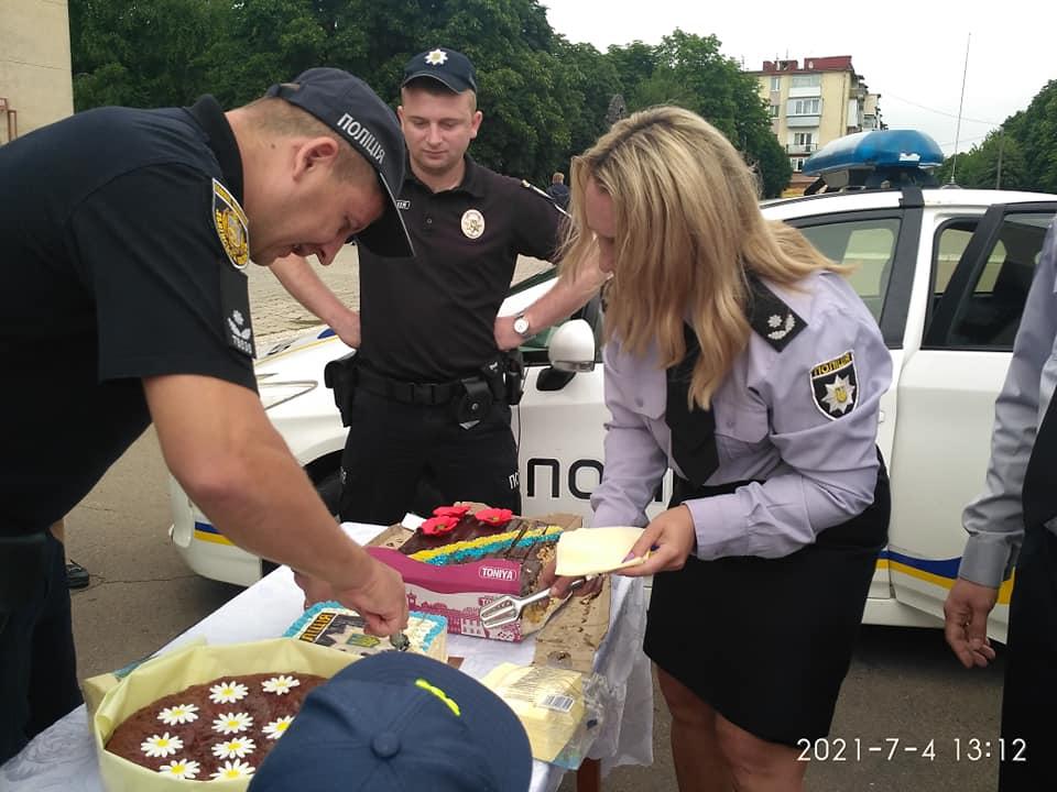 З нагоди професійного свята працівники Червоноградського районного відділу поліції організували справжнє свято для мешканців  Червонограда та їхніх діток