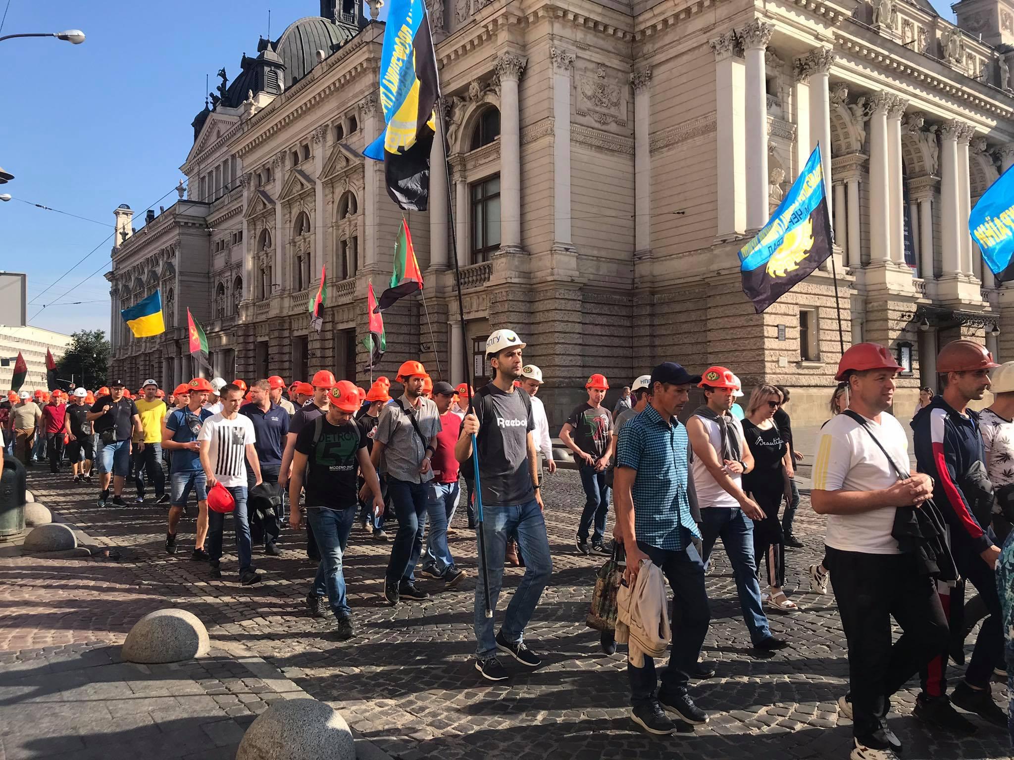 Шахтарям обіцяють виплатити борг по зарплаті 17 серпня