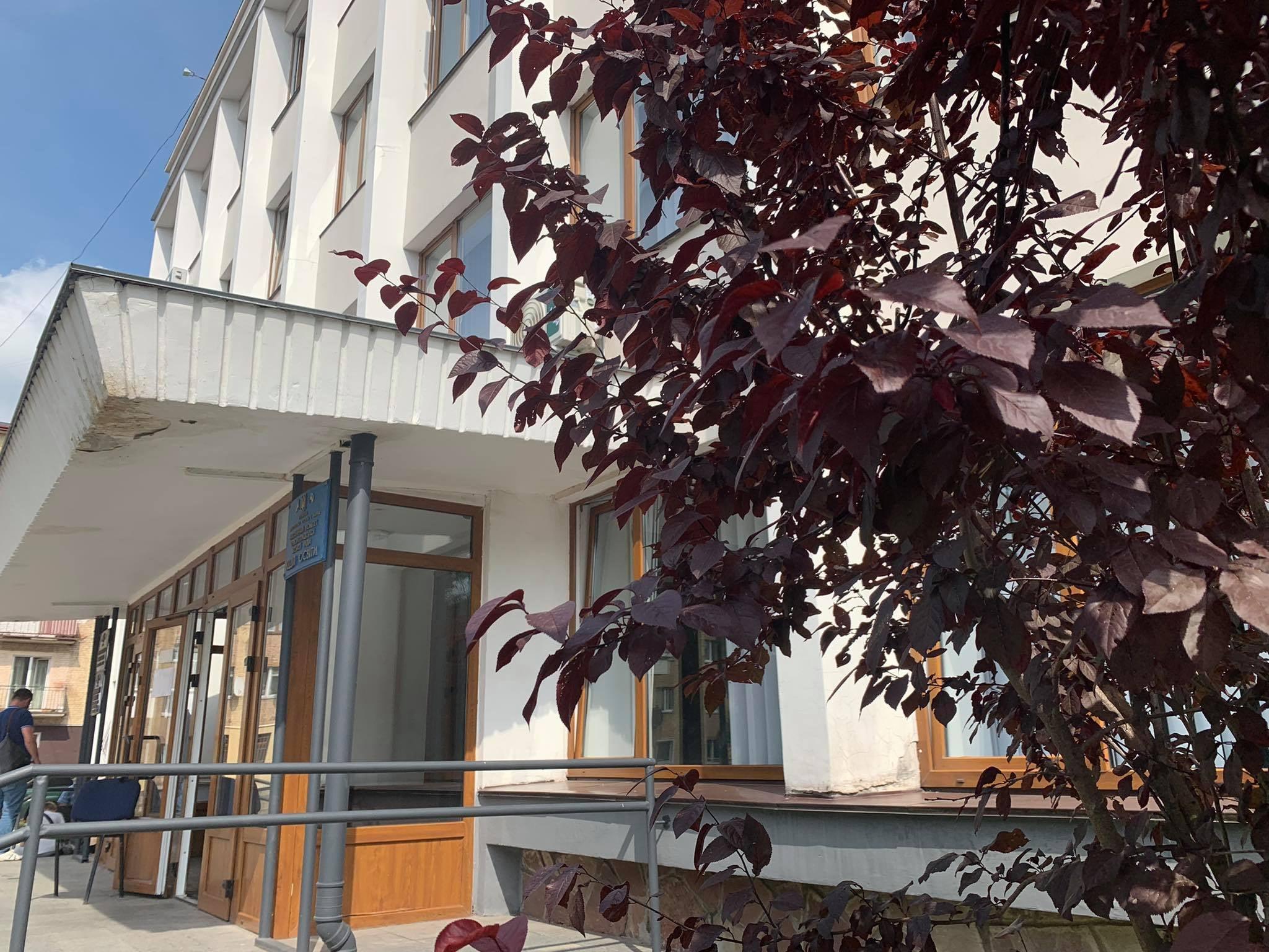 Обшуки у Червоноградській міській раді: що розслідує НАБУ?