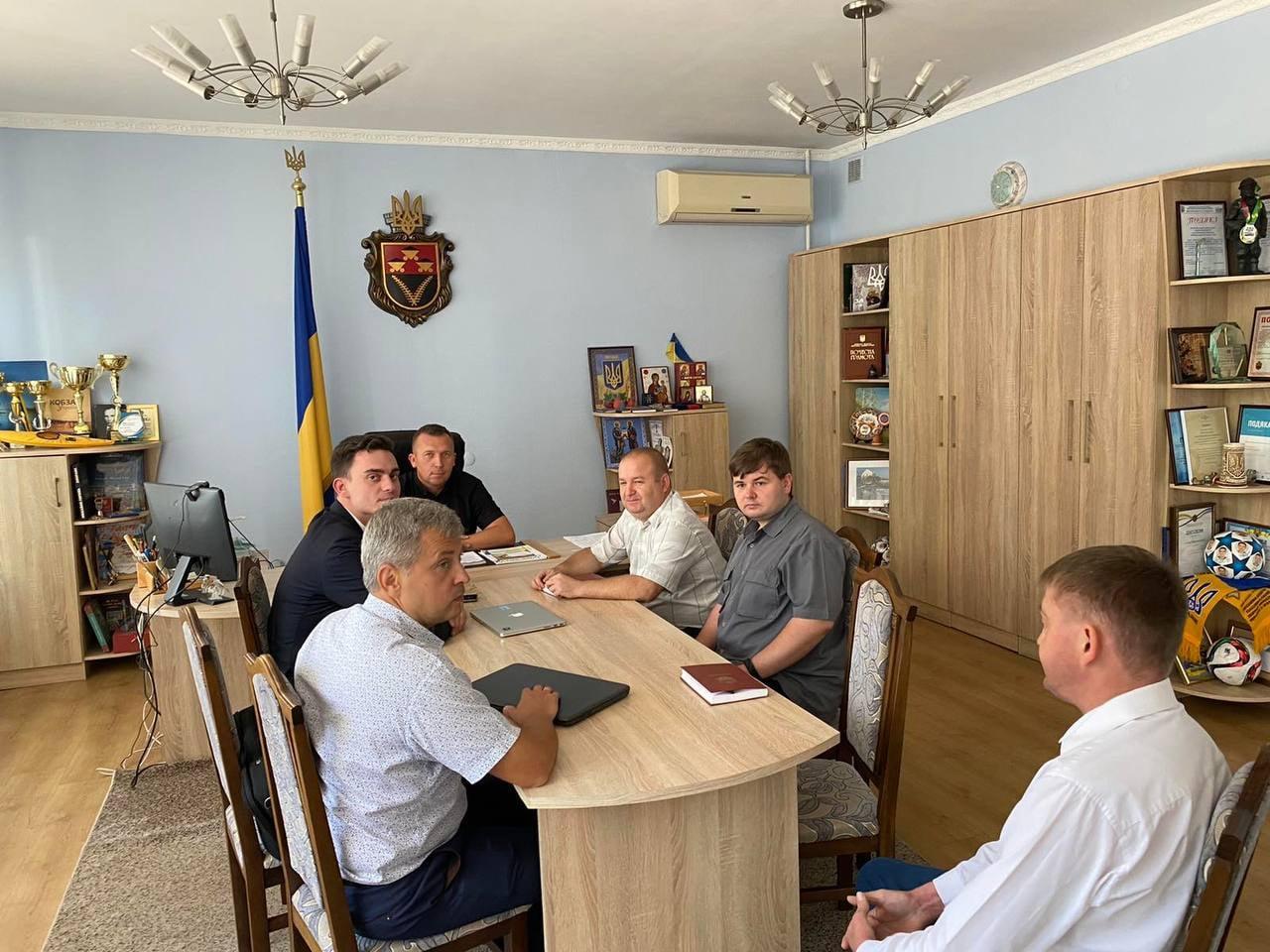 У Червоноградській громаді реалізують соціальний проект, спрямований на зниження аварійності на дорогах