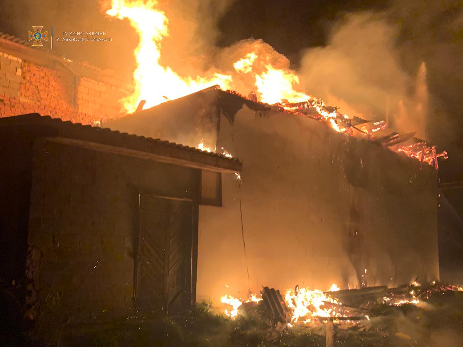 У селі Романівка горіло деревообробного підприємство, а у селі Зубків – повністю згорів трактор