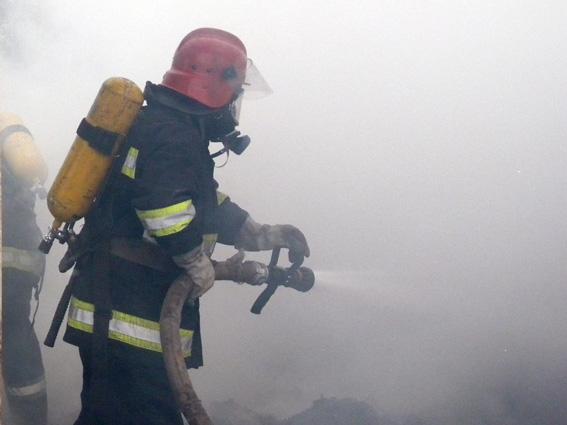 У Сокальському районі вогонь знищив 2 дачних будинки