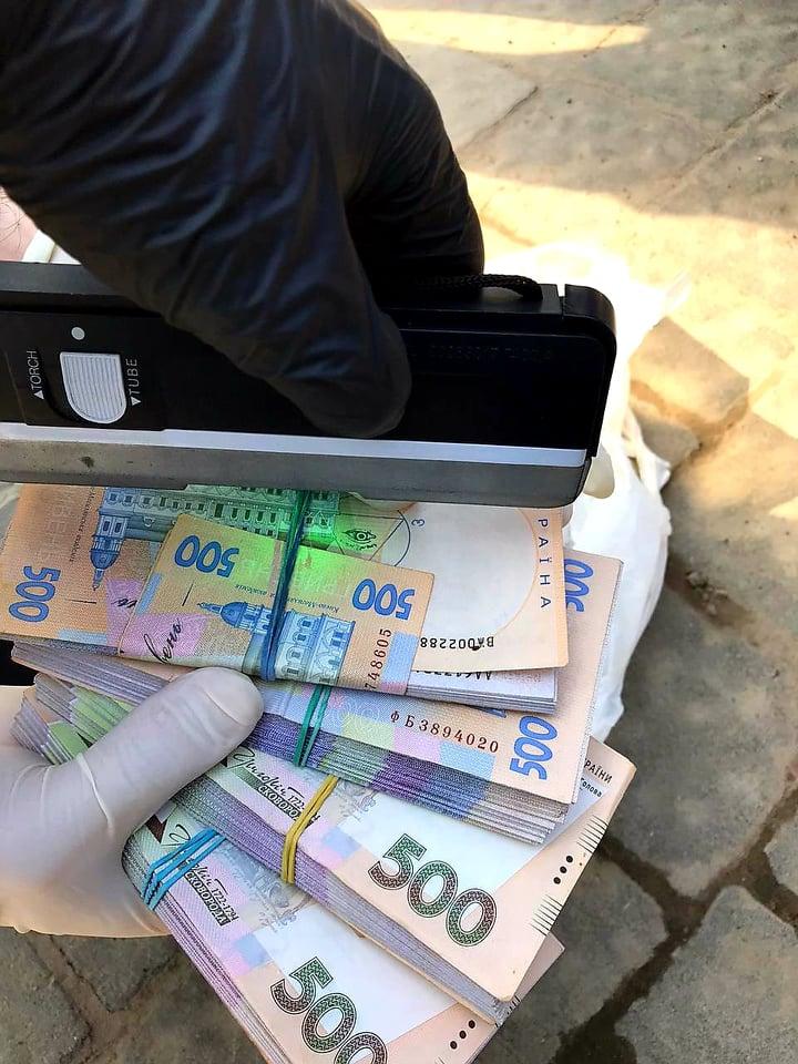 На Львівщині затримали ймовірних рекетирів, які вимагали «відкати» у місцевого підприємця