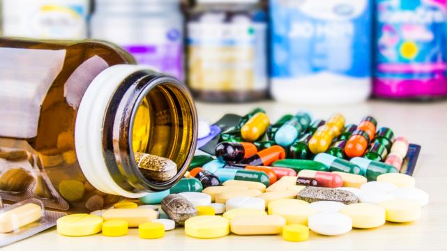 Верховна Рада України дозволила застосовувати незареєстровані в Україні лікарські засоби для лікування COVID-19
