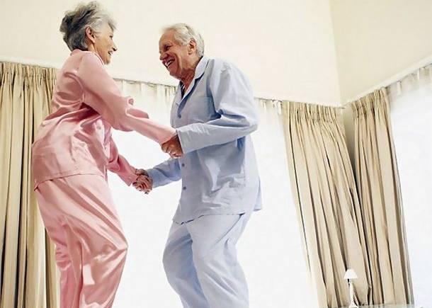 Людям старше 60 років рекомендовано на час карантину бути вдома – МОЗ