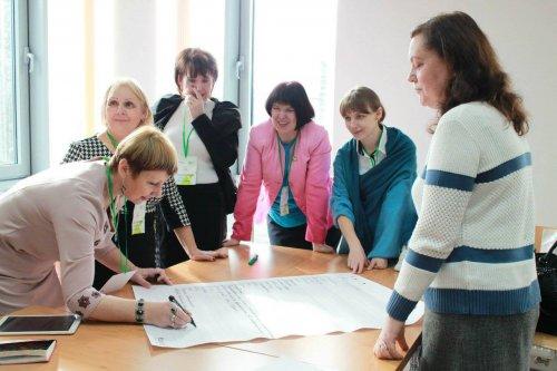 Вчителів навчатимуть також – влітку педагоги Львівщини пройдуть курс використання технічних засобів навчання