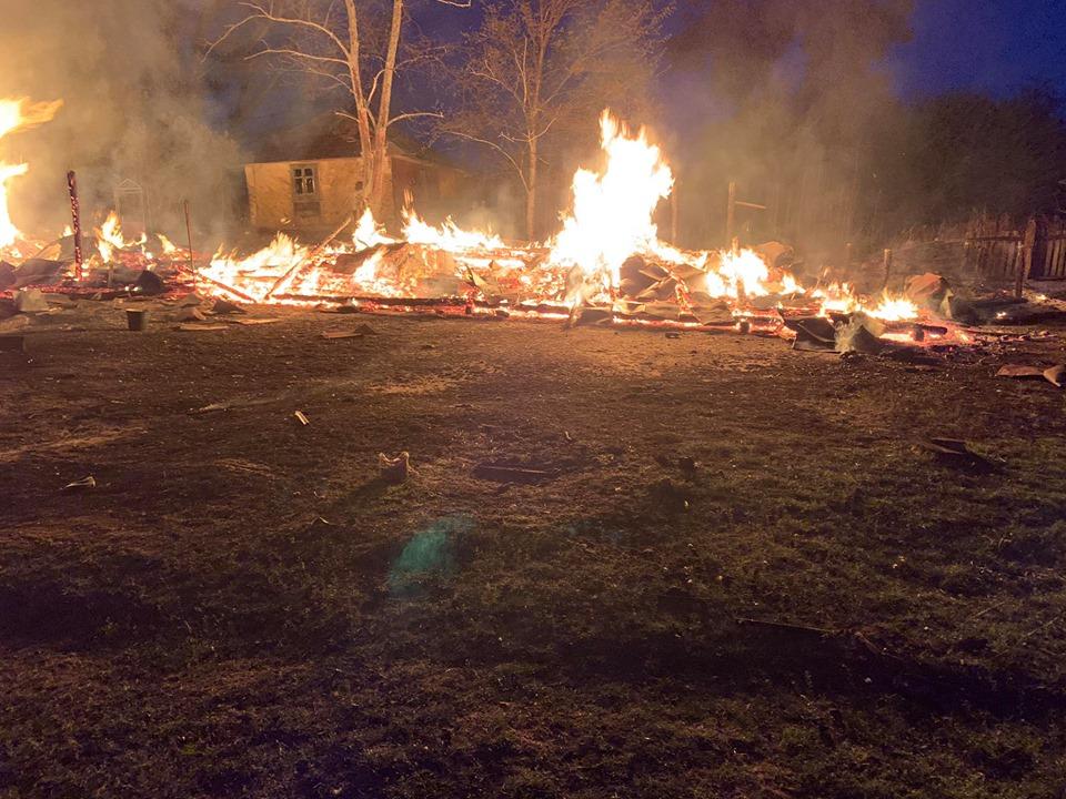На Радехівщині вщент згорів сарай