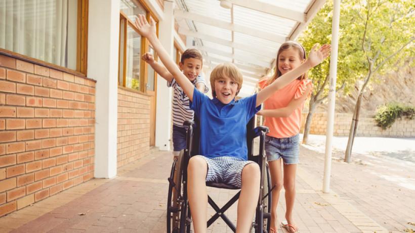 З 1 липня збільшується допомога на дітей, над якими встановлено опіку чи піклування та на дітей з інвалідністю