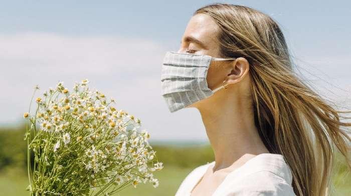 Як правильно носити маску в літню спеку?