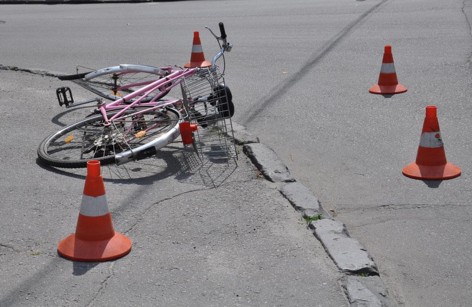 На Сокальщині мотоцикліст збив літню велосипедистку