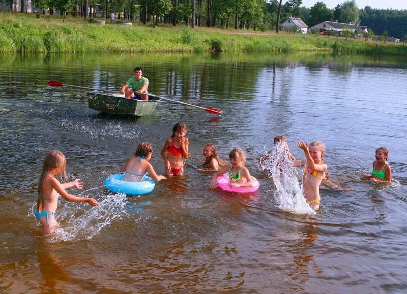 Безпечне купання влітку: у відповідних місцях і на тверезу голову