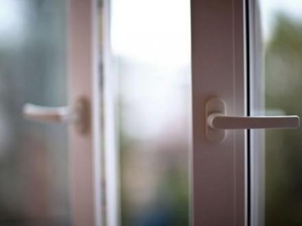 З власної квартири – через вікно