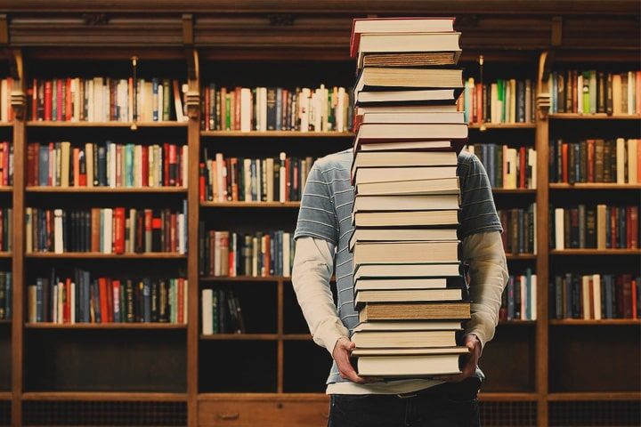 Книги даватимуть, але в бібліотеку не впустять – Червоноградська міська бібліотека відновила роботу