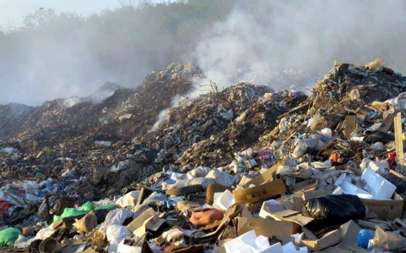 На Сокальщині горіло незаконне сміттєзвалище