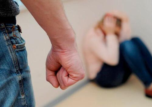 Червоноградця судитимуть за побиття малолітньої доньки