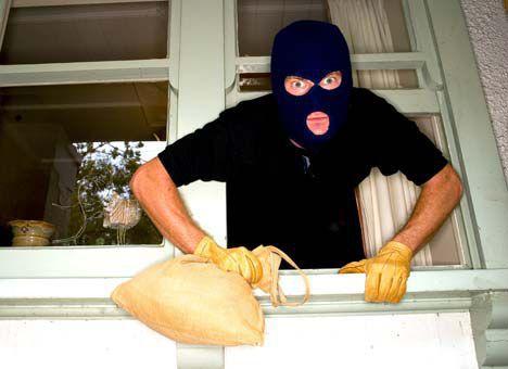 Коли ви у відпустці – злодії на роботі. Як вберегти свій дім від крадіжок?