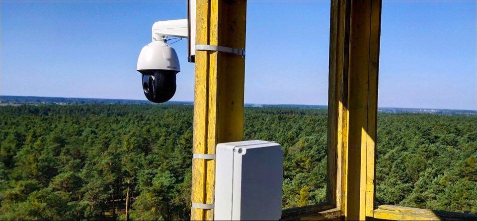 У Соснівському лісництві жовківські лісівники встановили сучасну систему відеонагляду