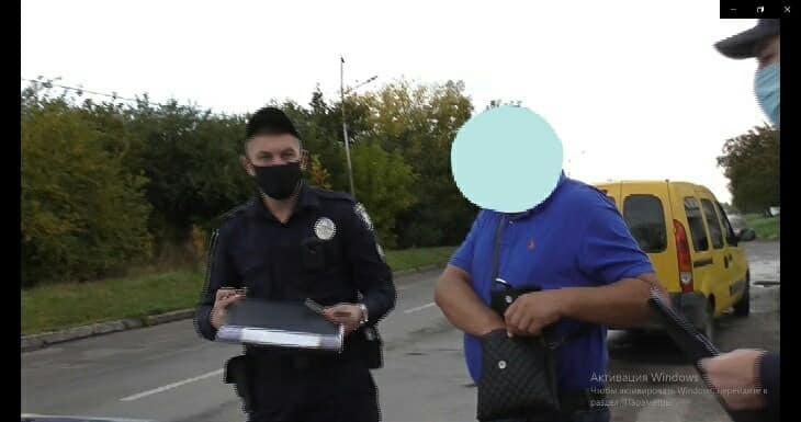 А відкупитись не вийшло! П'яний водій в Червонограді пропонував поліцейським хабар