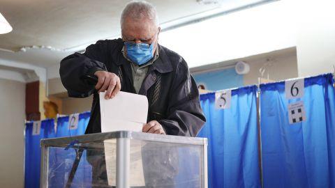 До складу Червоноградської ОТГ увійдуть 8 партій, а Сокальської – 10